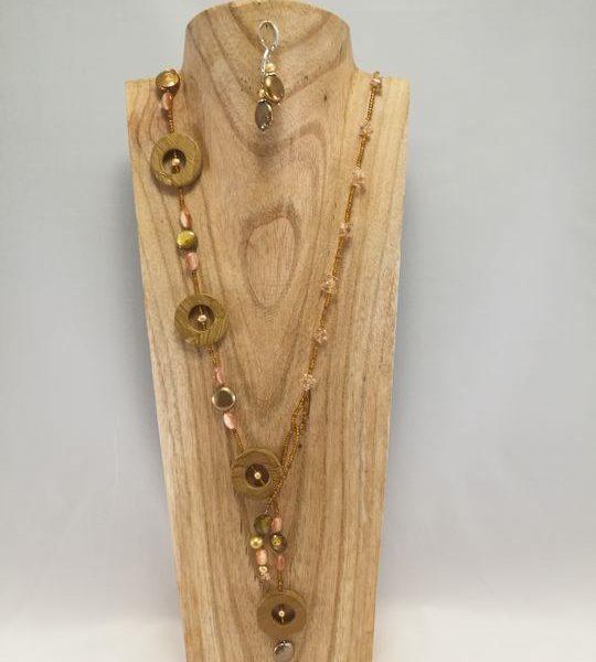 collier-long-en-perle-de-culture-et-nacre-1-les-creations-de-marion