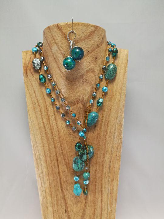 collier-long-en-turquoise-1-les-creations-de-marion