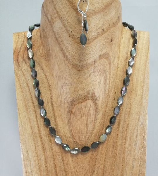 collier-nacre-black-lip-1-les-creations-de-marion