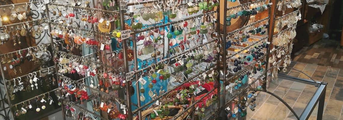 boucle d'oreille et collier de créateur artisanat
