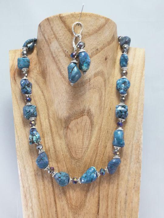 collier-bleu-en-howlite