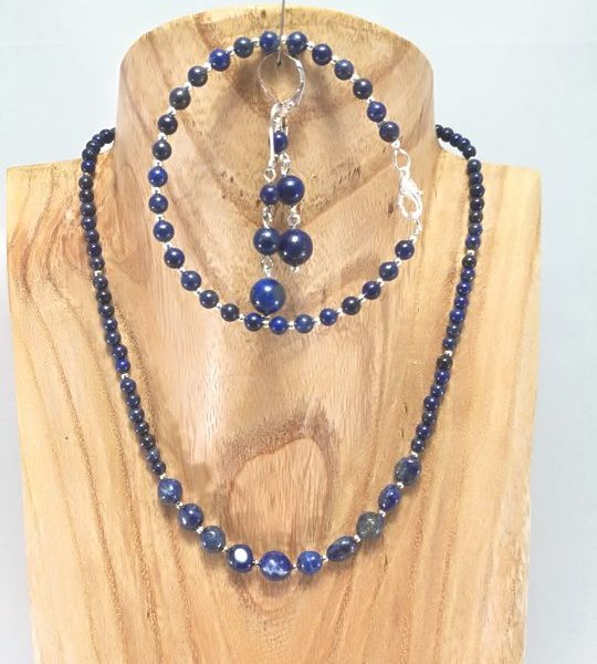 collier-bleu-en-lapis-lazuli
