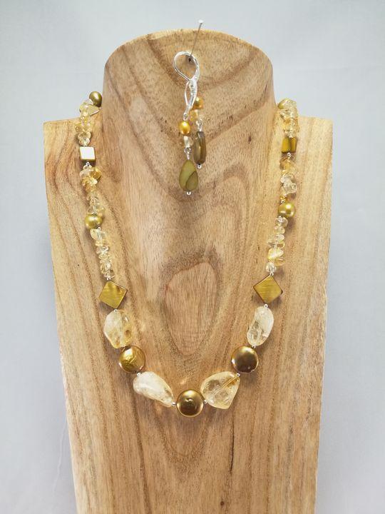 collier en citrine et perle de culture les cr ations de marion co vente de bijou artisanal. Black Bedroom Furniture Sets. Home Design Ideas