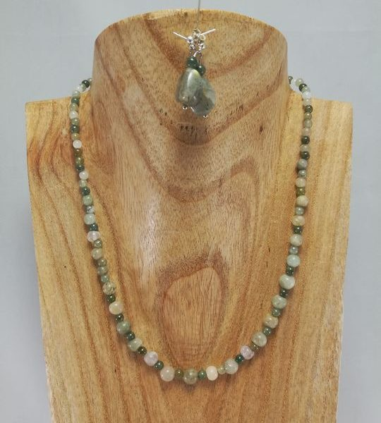 collier-en-jade-1-les-creations-de-marion