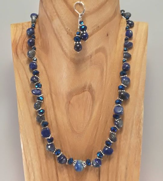 collier-en-lapis-lazuli-3
