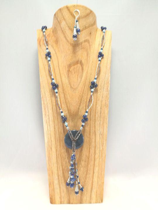 collier-long-en-lapis-lazuli-et-sodalite