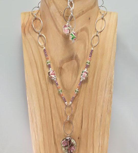 collier-mauve-et-vert-en-en-verre-de-murano