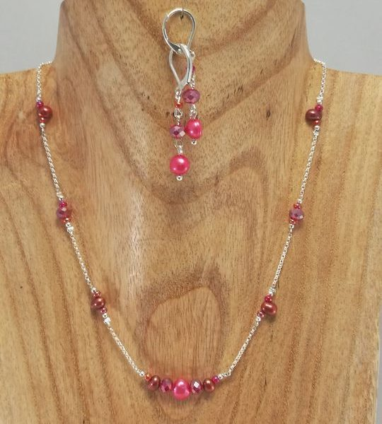 collier-perle-de-culture-rouge