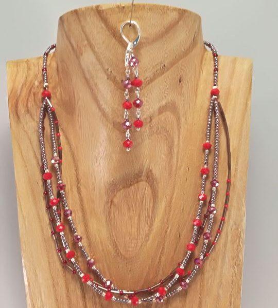 collier-rouge-en-rocailles