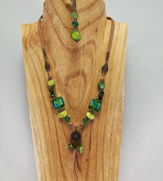 collier-vert-et-beige-en-verre-de-murano-1-les-creations-de-marion