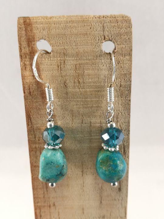 boucles-doreilles-bleu-turquoise-en-chrysocolles-et-cristal-de-boheme