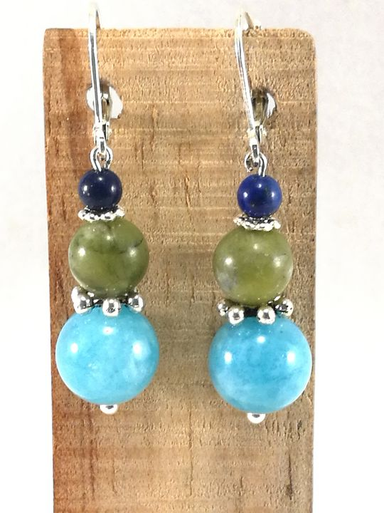 boucles-doreilles-bleue-vertes-en-aigue-marine-jade-et-lapis-lazuli