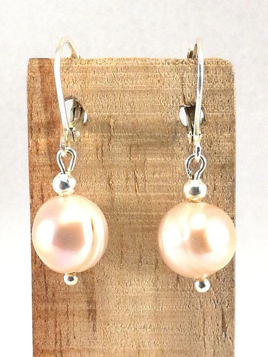 boucles-doreilles-rose-pale-de-perles-de-culture
