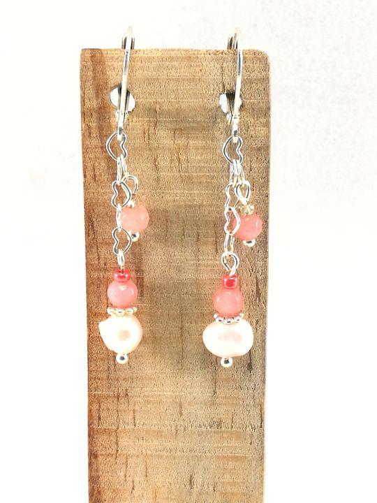 boucles-doreilles-roses-en-perles-de-culture-et-cristal-de-boheme-sur-chaine