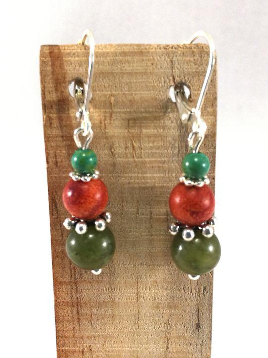 boucles-doreilles-rouge-vertes-en-corail-et-jade