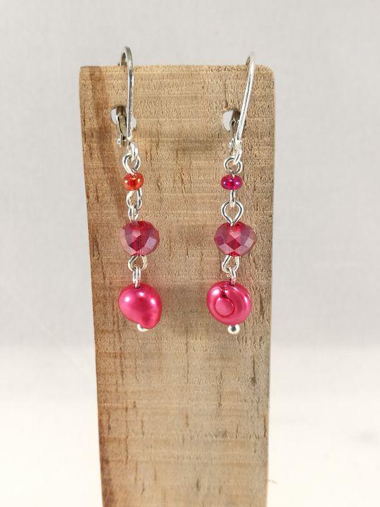 boucles-doreilles-rouges-en-perle-de-culture-et-cristal-de-boheme