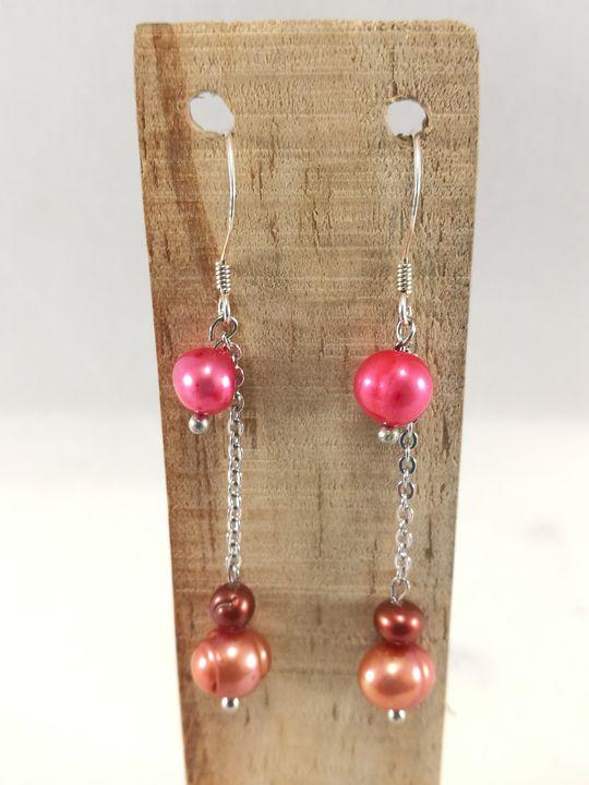 boucles-doreilles-rouges-fuchsia-en-perles-de-culture