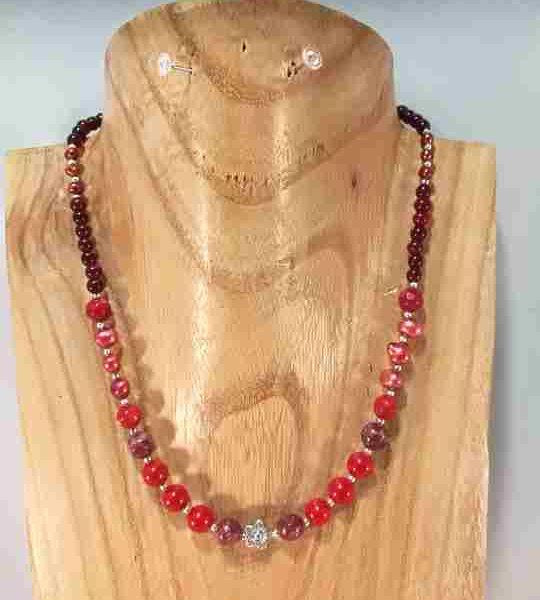 collier-rouge-en-corail-agathe-perle-de-culture-fleur