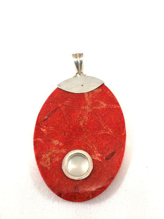 grand-pendentif-oval-en-corail-et-argent