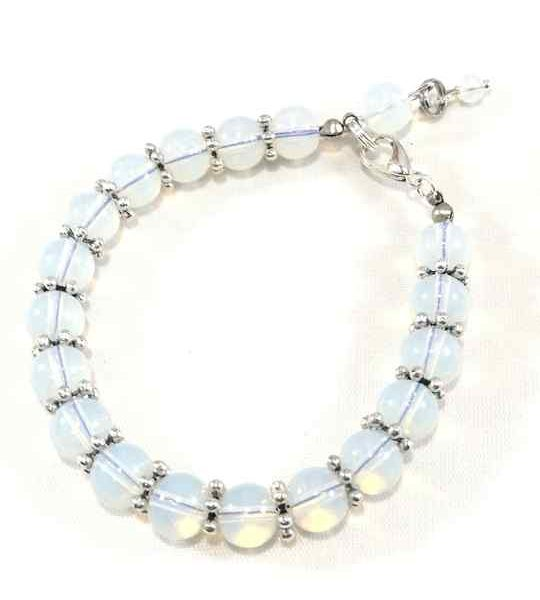 bracelet-blanc-en-opalite-baroque-brtm39