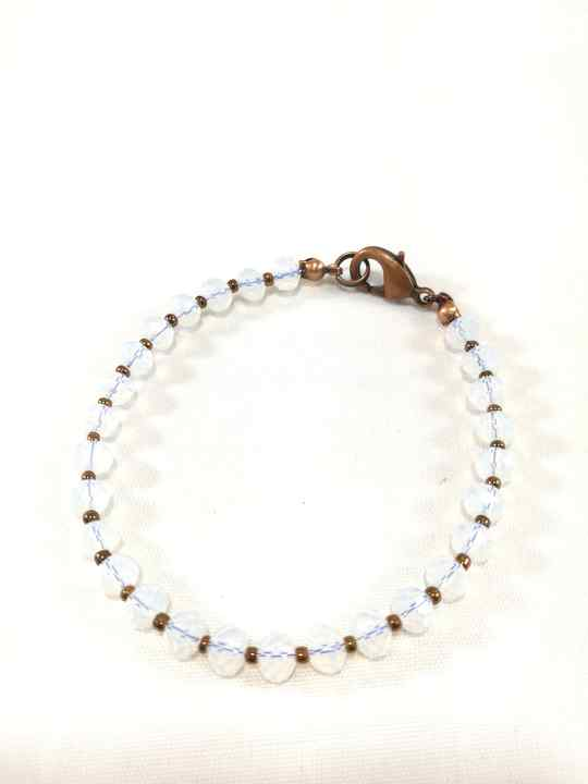 bracelet-blanc-en-opalite-brtm34