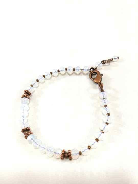 bracelet-blanc-en-opalite-brtm36