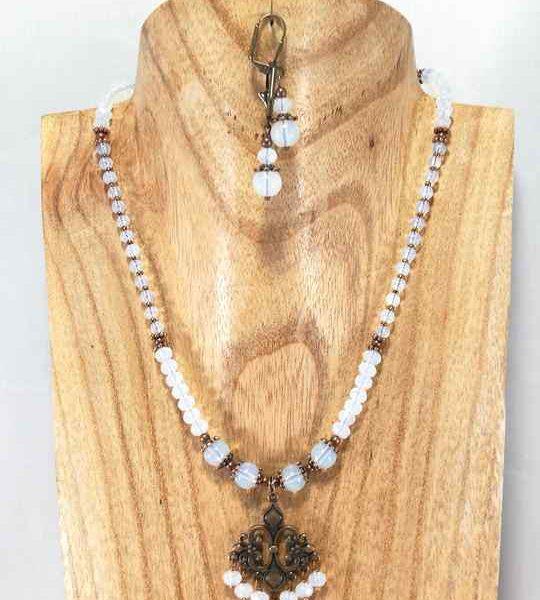 collier-blanc-gipsy-en-opalite