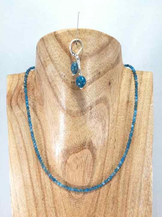 collier-bleu-azur-en-apatite-2-les-creations-de-marion