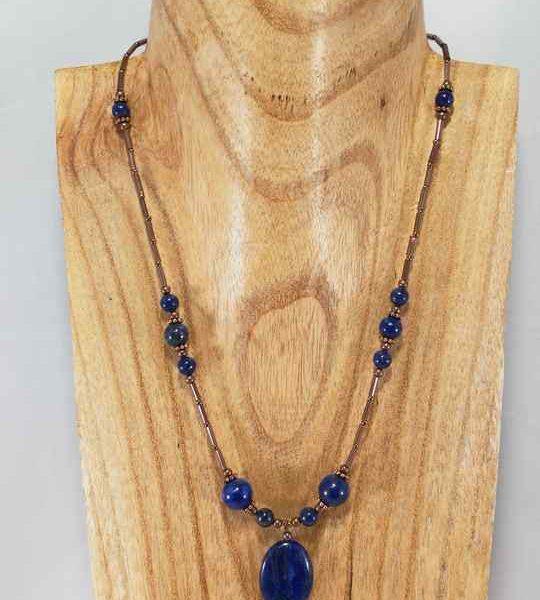 collier-bleu-en-lapis-lazuli-4