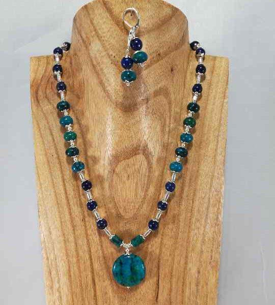 collier-bleu-turquoise-en-chrysocolle-et-lapis-lazuli-
