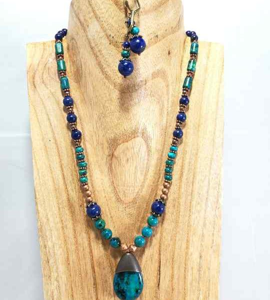 collier-bleu-turquoise-en-chrysocolle-et-lapis-lazuli