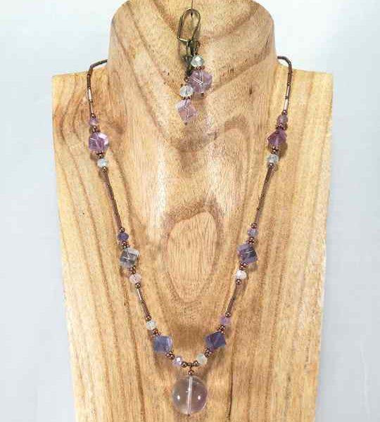 collier-discret-violet-vert-deau-en-fluorite