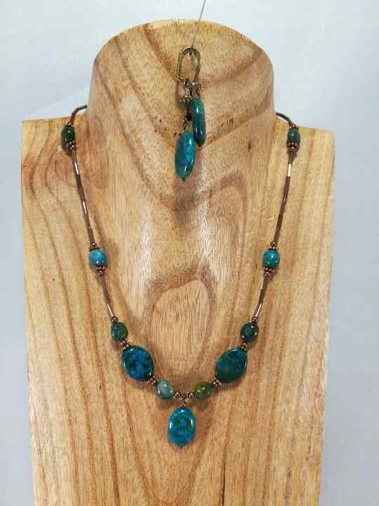collier-turquoise-en-chrysocolle