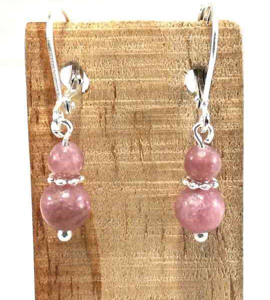 boucles-doreilles-discretes-vieux-rose-en-lepidolite