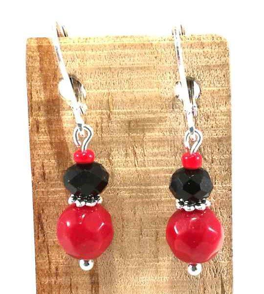 boucles-doreilles-rouges-et-noir-en-corail-et-cristal-de-boheme
