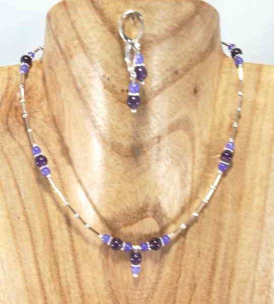collier-fin-violet-en-amethyste-jade-et-rocailles
