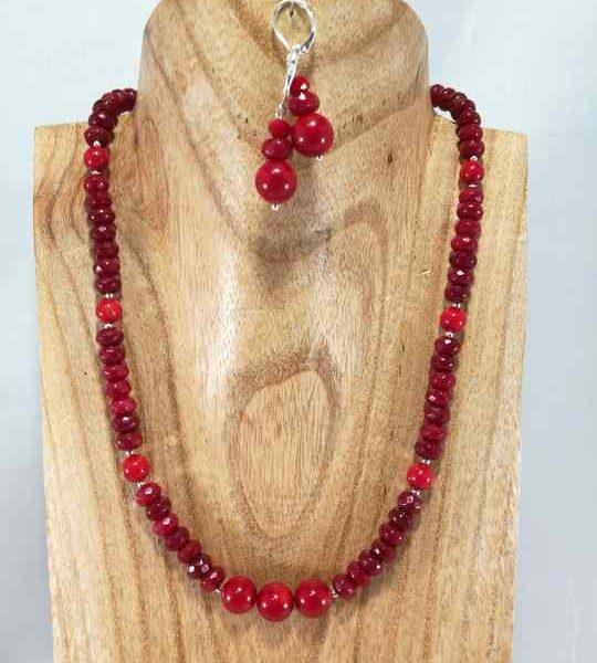collier-rouge-en-corail-et-jade