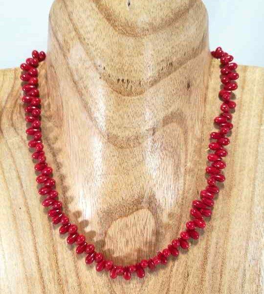 collier-rouge-en-gouttes-de-corail