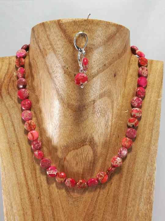collier-rouge-en-regalite