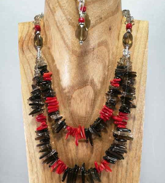 collier-rouge-et-marron-en-quartz-fume-et-corail