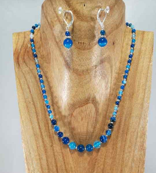 collier-bleu-en-agathe-en-degrade