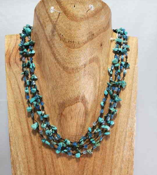 collier-bleu-turquoise-multirang-en-howlite