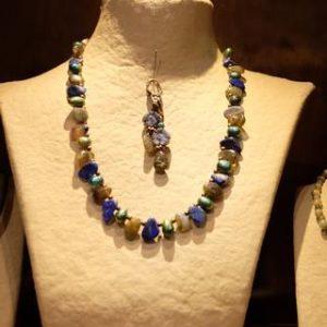 Création de bijou artisanal en pierre semi précieuse à Monségur