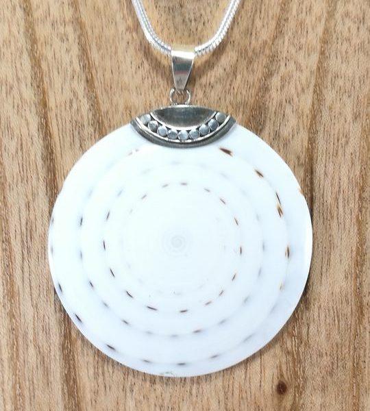 cgrand-pendentif-de-coquillage-argent