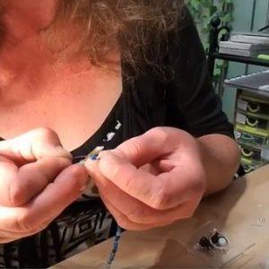 Tutoriel finir un enfilage collier ou bracelet artisanal