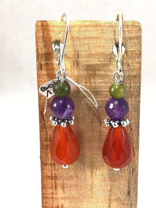 boucles-doreilles-multicolores-en-cornaline-amethyste-et-jade