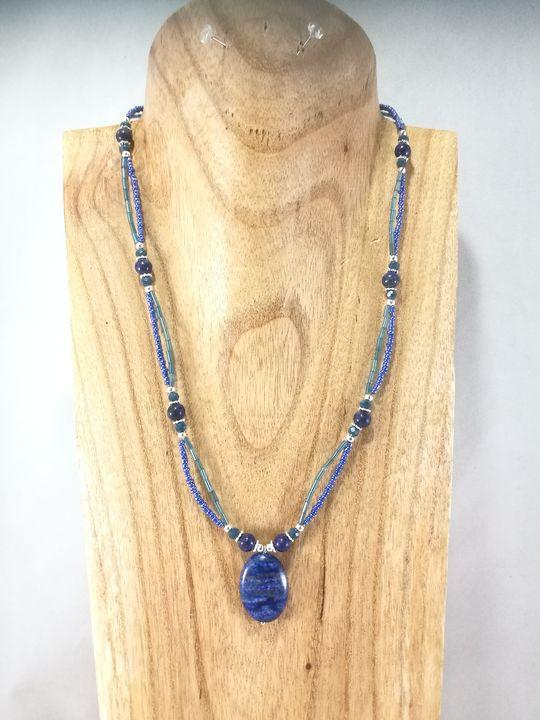 collier-2-rangs-en-lapis-lazuli-et-cristal-de-boheme