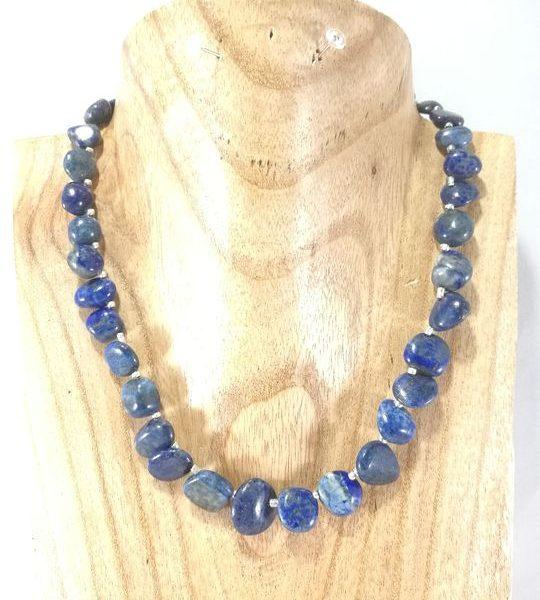 collier-bleu-marine-en-nuggets-de-lapis-lazuli-2