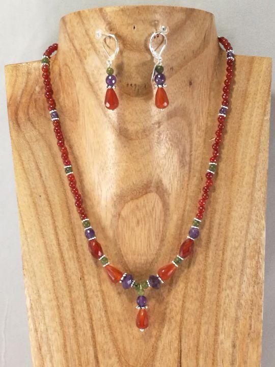 collier-multicolore-en-cornaline-jade-et-amethyste