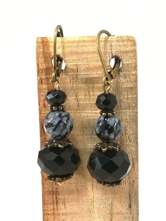 boucles-doreilles-noires-en-obsidienne-flocon-de-neige-et-cristal-de-boheme-2